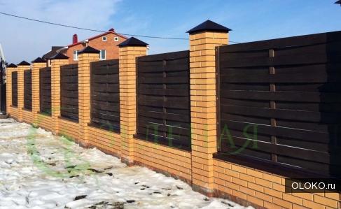 Строительство деревянных заборов.