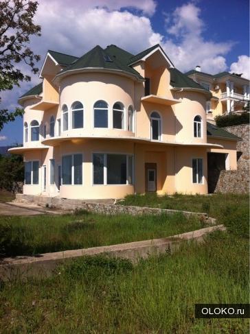 Продам дом, 1200 м², участок 24 сотки.