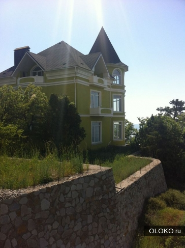 Продам дом, 500 м², участок 13 соток.