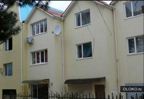 Продам дом, 172 м², участок 1 соток.