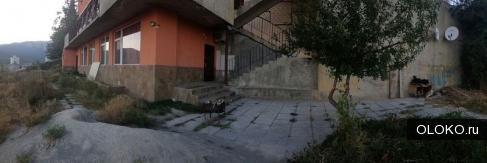 Продам 1-к квартиру, 28 м², 1/4 эт..