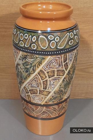 Красивые большие вазы для декора интерьера новой квартиры.