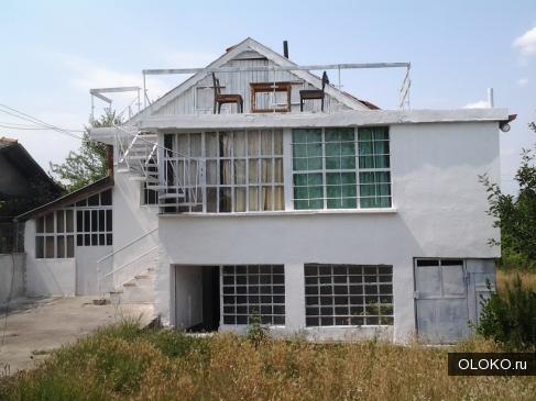 Двухетажная массивная дача в Болгарии недалеко от моря за 12 000 Евро.
